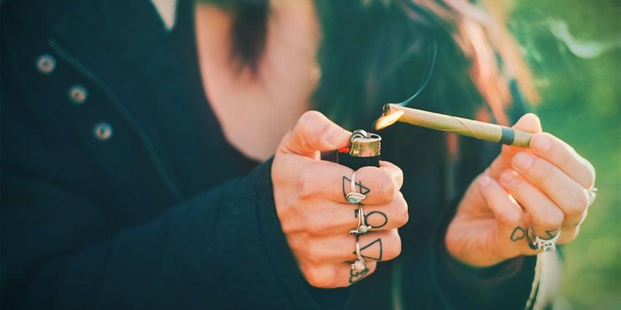 Cannabis Roken Blunt