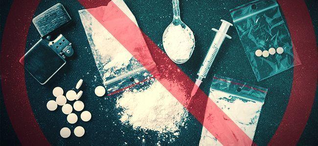 GEBRUIK GEEN DRUGS MET MEDICIJNEN