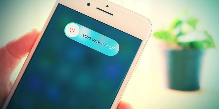 ZET JE TELEFOON UIT!