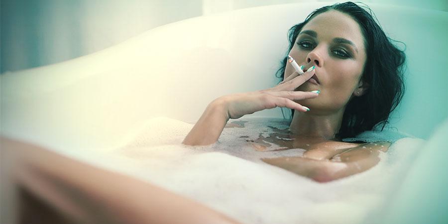 stoners vinden het heerlijk om in bad te roken
