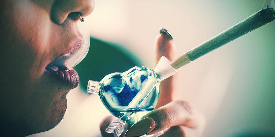 Hoe Werkt Een Cannabis Bubbler?