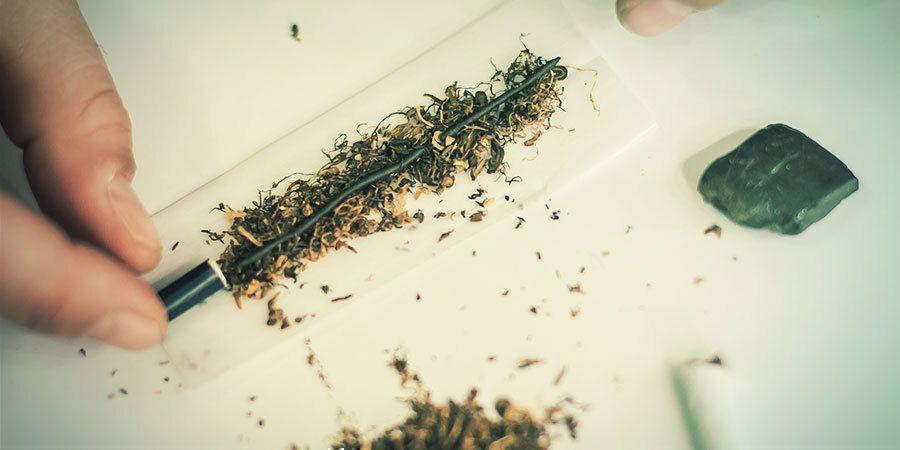 Hoe Maak Je Hasj Klaar Voor Het Roken?