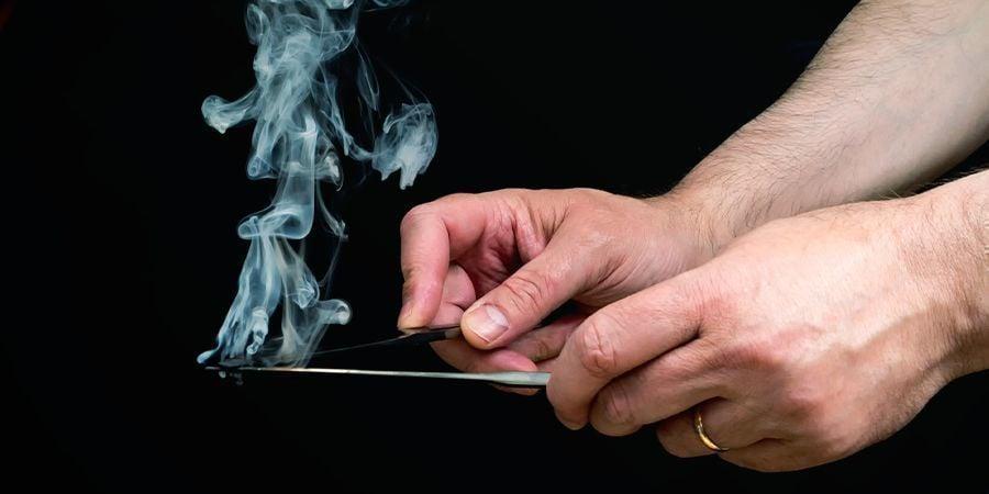 Hasj Roken Met Messen