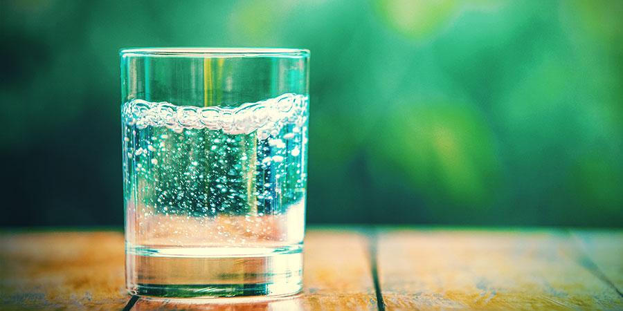 Alternatieven Voor Bongwater: Bruisend Mineraalwater