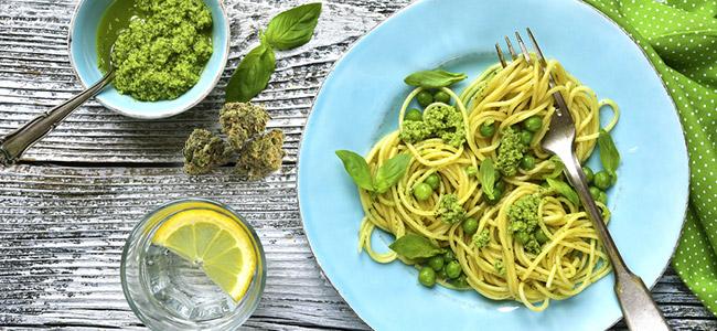 Spaghetti met pesto en cannabis
