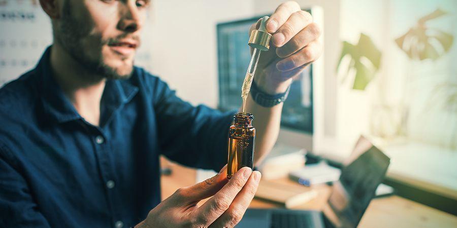 CBD olie kan je helpen ontspannen