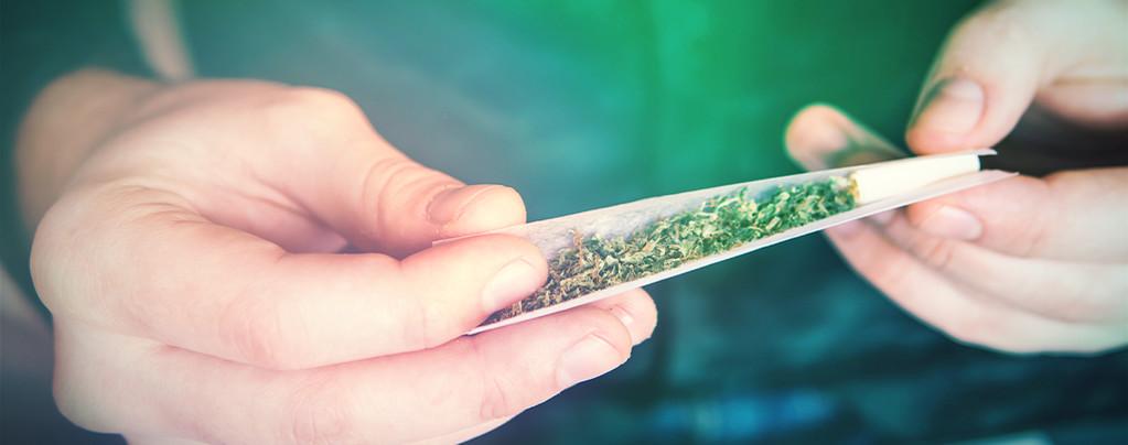 Hoe Rol Je Een Joint