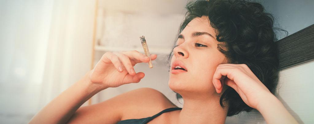 Hoe cannabis je dromen beïnvloedt