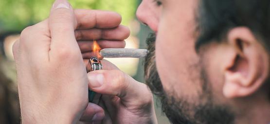 Hoe Steek Je Een Joint Op In De Wind?